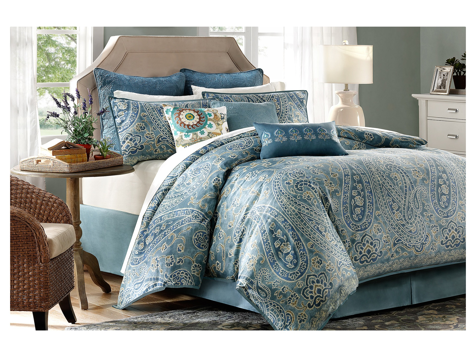 Harbor House Belcourt 4 Piece Comforter Set Cal King
