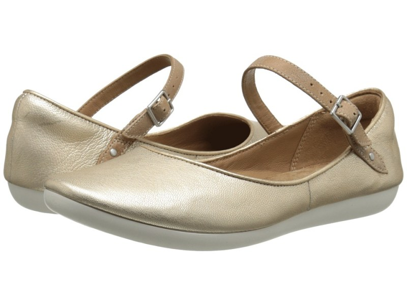 Clarks - Feature Film (Metallic Leather) Women's Flat Shoes
