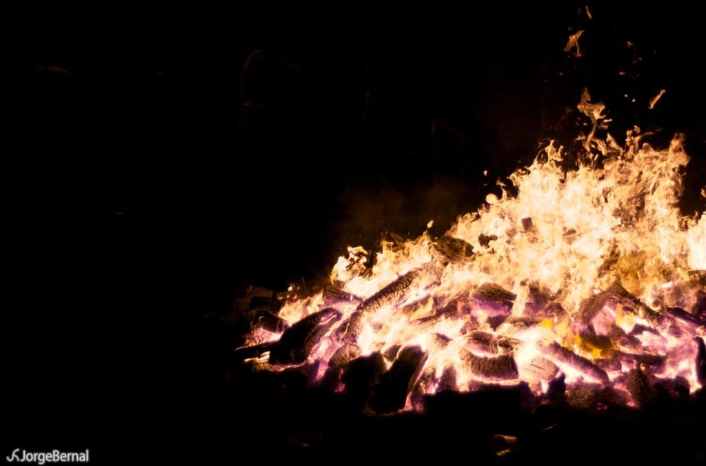 Foto de Jorge Bernal - Las hoguera, acto central de las actividades organizadas para las hogueras dela noche de San Juan en Zaragoza