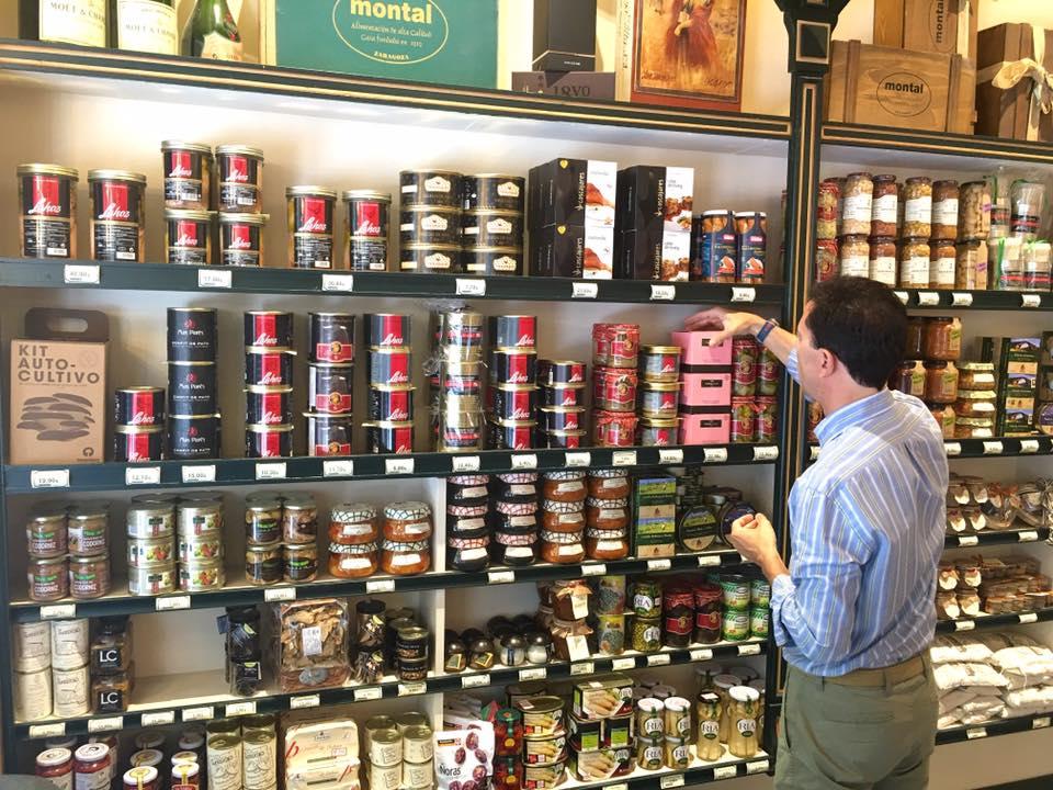 La Tienda Gourmet es lo que hizo que el negocio empezara y así sigue después de 100 años de Casa Montal
