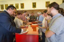 El Ayuntamiento y los clubes de fútbol firman el acuerdo marco para la regulización de los campos municipales.