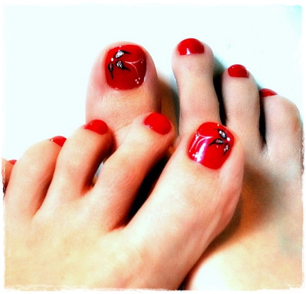 Make Sure You Wrap Your Toenails In The Hottest Nail Lacquers Displayed