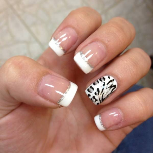 If You Re A Fan Of Animal Print Here S Look That Will Certainly Good On The Silver Lines Give Manicure Bit Sparkle So It Perfect