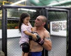 لكمة قاضية تقتل بطل الملاكمة الايطالي كريستيان  أثناء النزال ، فيديو