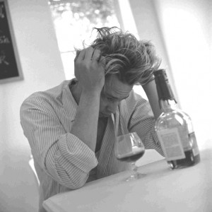 alcohol abuse may lead to depression study 2009 03 03 300x300 %photo