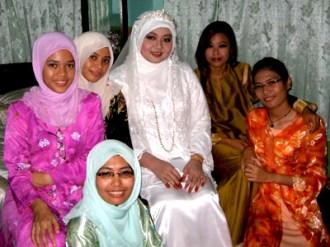 A Muslim wedding in Perlis, Malaysia. Ain, Akma, Leilah the bride, Miza, Zira and euhmm Zira's twin?
