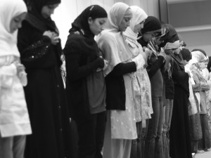 Muslim students praying at CSU Sacramento