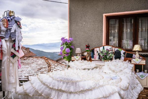 Pomak wedding bedroom
