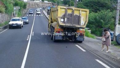 Photo of Un camion perd sa roue arrière et provoque de gros embouteillages à Schœlcher