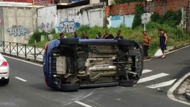 Photo of Accident spectaculaire sur l'avenue Maurice-Bishop à Sainte-Thérèse