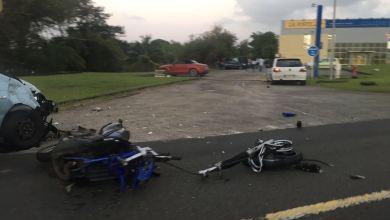 Photo of Une collision entre une moto et une voiture fait un blessé léger