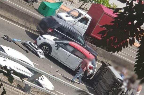 Un accident sur l'autoroute provoque de gros embouteillages