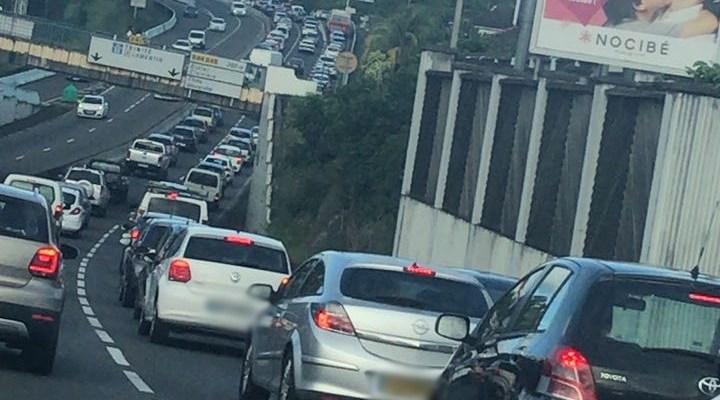 Embouteillage monstre sur la Rocade et dans les environs à Fort-de-France