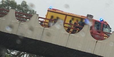 Un homme tente de sauter du pont de Californie au Lamentin