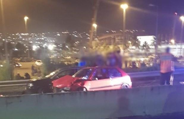 Un spectaculaire accident de la route à l'Etang Z'Abricot fait 3 blessés légers