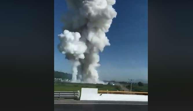 Un entrepôt de feux d'artifice explose et fait 19 morts et 40 blessés