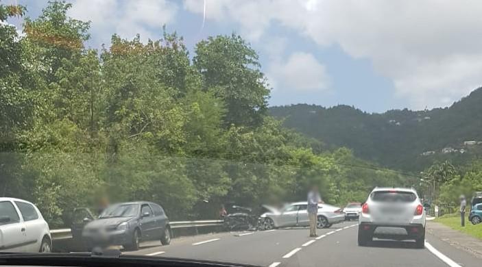 Choc frontal entre deux véhicules à Sainte-Luce