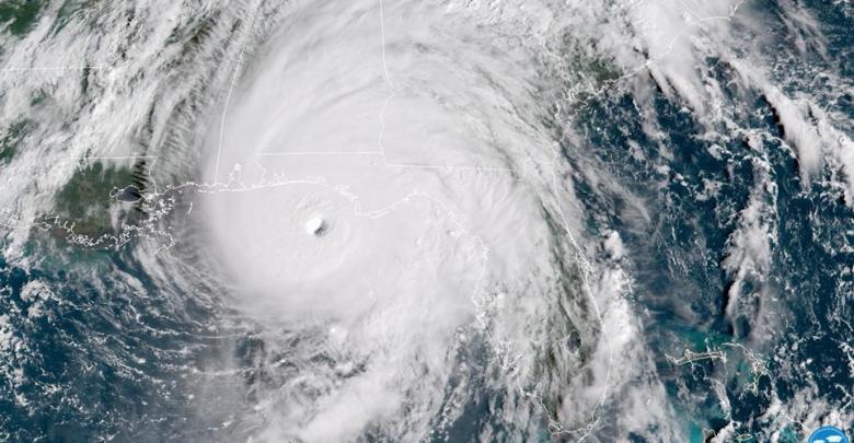 Le puissant ouragan Michael avec des vents de 240km/h aux portes de la Floride