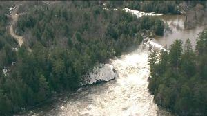 Canada : une alerte de risque de rupture de barrage émise dans les Laurentides