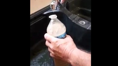"""Photo of Une eau """"boueuse"""" sort du robinet dans un quartier au Robert"""