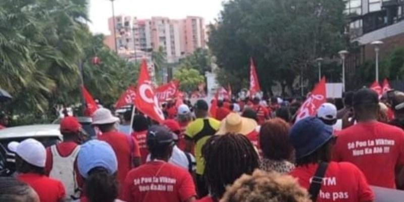 mobilisation dans les rues à Fort-de-France