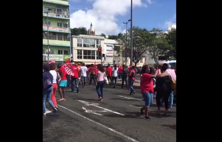 Manifestation dans les rues de Fort-de-France contre la réforme des retraites