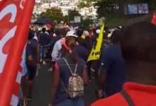 Photo of Les agents de la Poste entament une marche sur la Rocade de Fort-de-France (VIDÉOS)