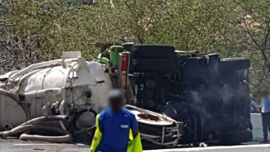 Photo of Un camion se renverse dans le virage de Case-Pilote