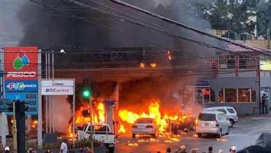 Photo of Jamaïque : impressionnant incendie dans une station-service qui fait plusieurs blessés