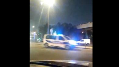 Photo of Des bus avec des touristes escortés par les forces de l'ordre ce samedi soir (VIDÉO)