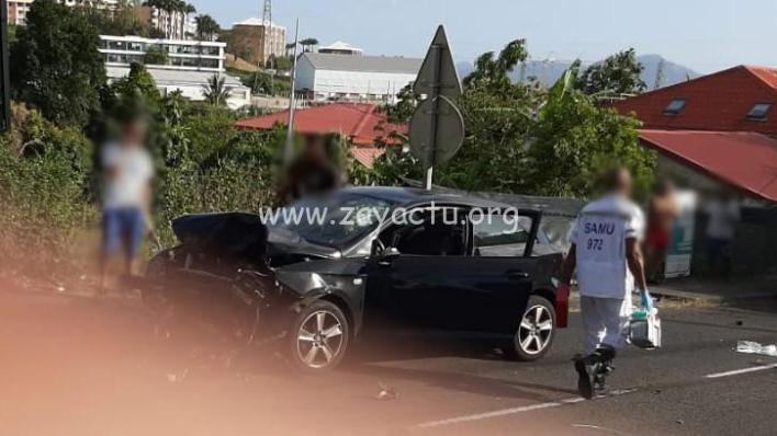accident de moto et de voiture à Chateauboeuf