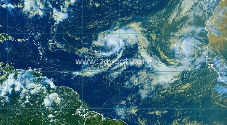 Naissance de deux tempêtes tropicales, Paulette et René.