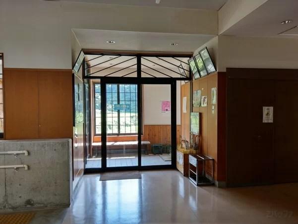 美佐島駅の出入り口