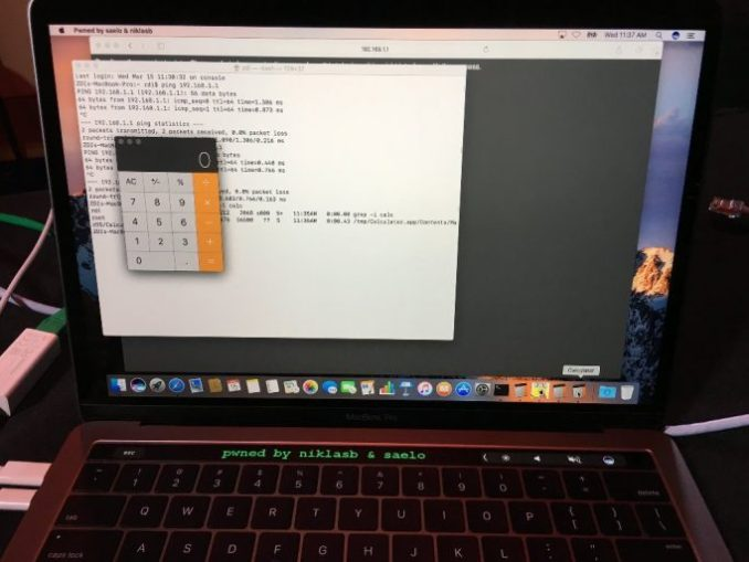 which have German security researcher Samuel Groß and Niklas Baumstark Safari hacked and a message on the touch bar of the MacBook Pro display (image: Twitter/Samuel Groß).