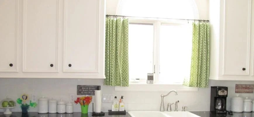 blinds for kitchen sink windows a