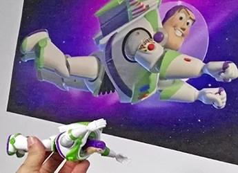 Buzz Lightyear en tu habitación!