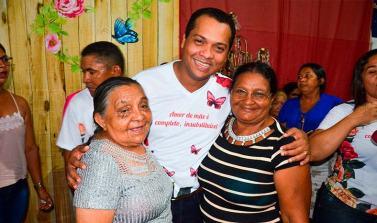 Festa das Mães reuniu duas mil mulheres e teve sorteio de prêmios em Piçarra