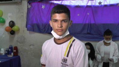 O estudante do 9º Ano, Henrique Godinho, estava super envolvido