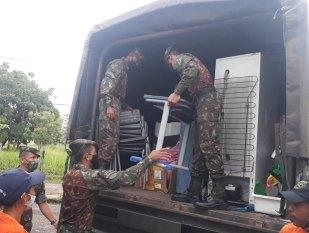 Tucuruí: Nível do Rio Tocantins baixa e famílias fazem o caminho de volta para casa