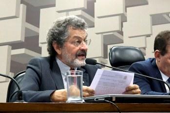Senador propõe projeto que anula pagamento do Fies durante a pandemia