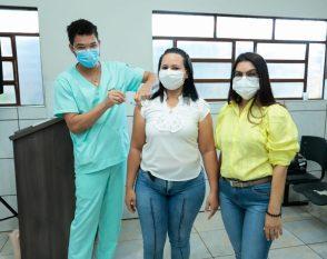 Professores da Canaã dos Carajás são vacinados contra Covid-19