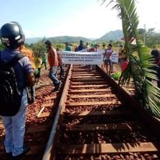 Parauapebas: Em protesto, moradores do Nova Carajás interditam Ramal Ferroviário do S11D