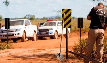 """Xinguara: Após acidentes fatais, DMT sinaliza curvas e pontes da Estrada do """"Pontão"""""""