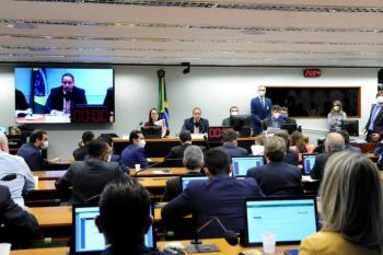 Comissão especial aprova novas regras para eleições