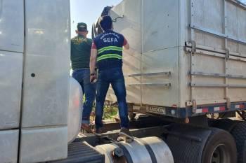 """Marabá: Sefa apreende duas carretas transportando madeira com nota """"viajada"""""""