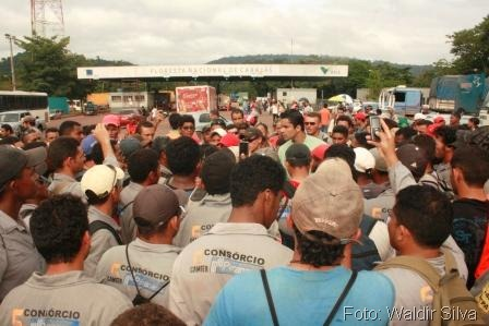 Manifestação funcionários Consórcio - foto Waldyr Silva