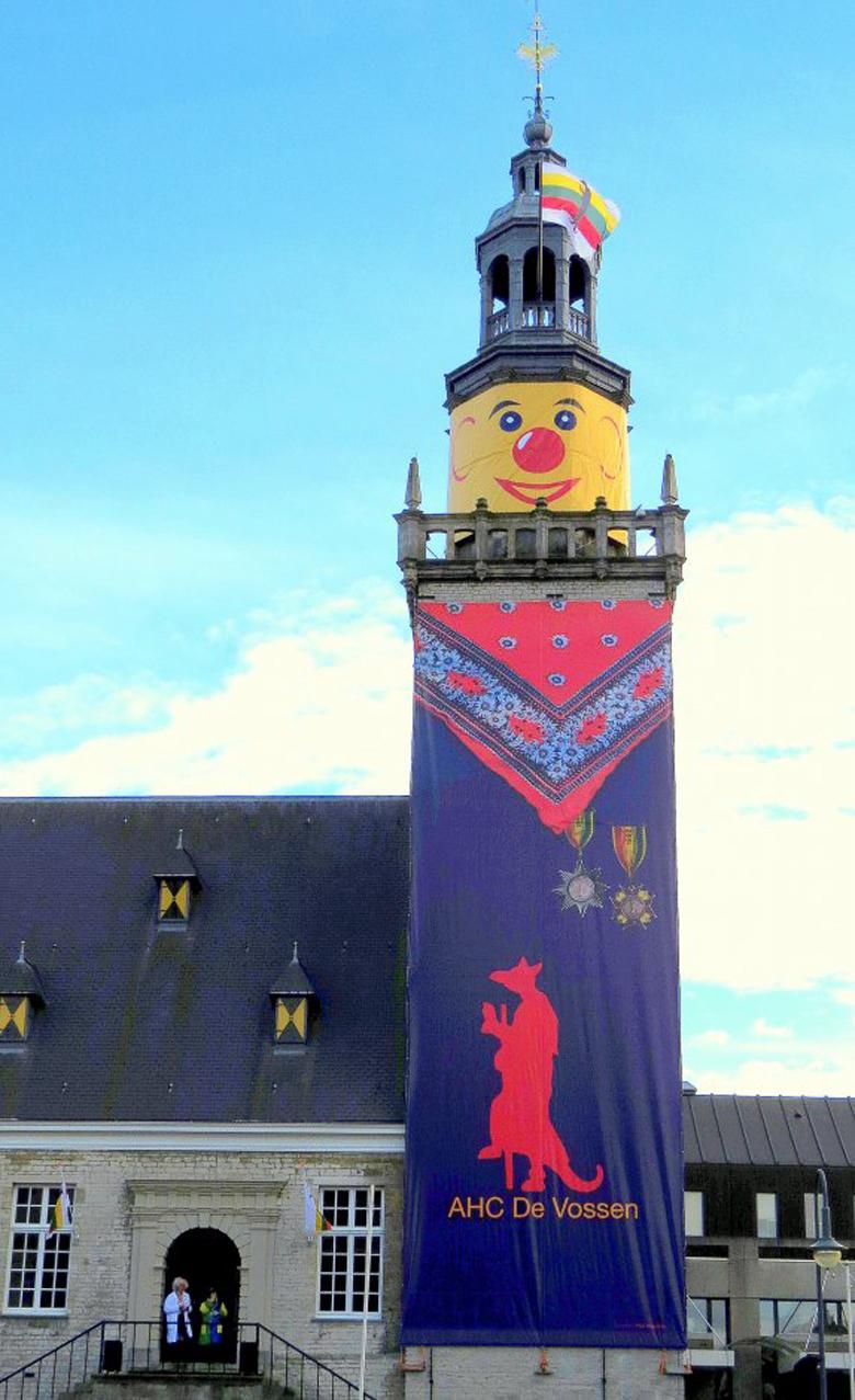 stadhuis Hulst carnaval boerenkiel