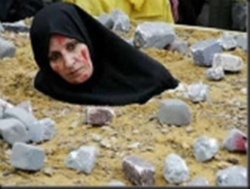 """כך נראית סעודיה ה""""מתונה"""". רגימת אשה למוות."""