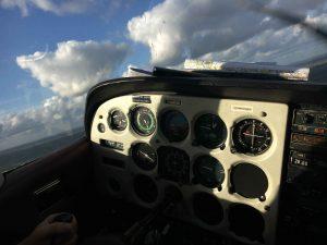 Zelf vliegen in een Cessna