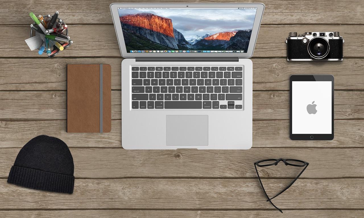 Macbook worktop